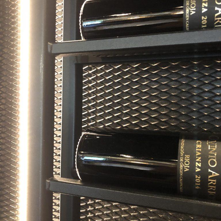 Ellen Herber interieurvormgeving de Borgh wijnrek